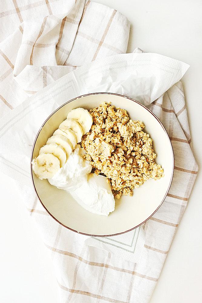 granola z pastą sezamową